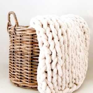 Chunky chenille ivory throw in off white